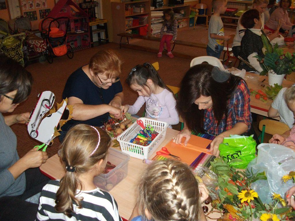 Ilustracja do informacji: Fotorelacja z warsztatów jesiennych w Przedszkolu Samorządowym nr 2 w Rzepinie.
