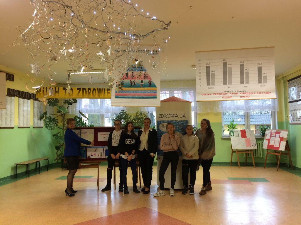 """Ilustracja do informacji: Nasze gimnazjalistki biorą udział w projekcie """"Zdrowa Ja"""""""