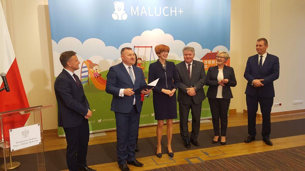 Ilustracja do informacji: Mamy to! Burmistrz przywiózł z Warszawy 612 000 zł!
