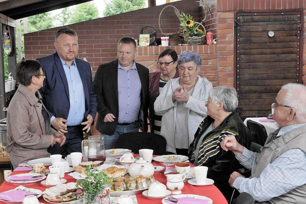 """Ilustracja do informacji: Majówka rzepińskich diabetyków w """"Dereniówce"""""""