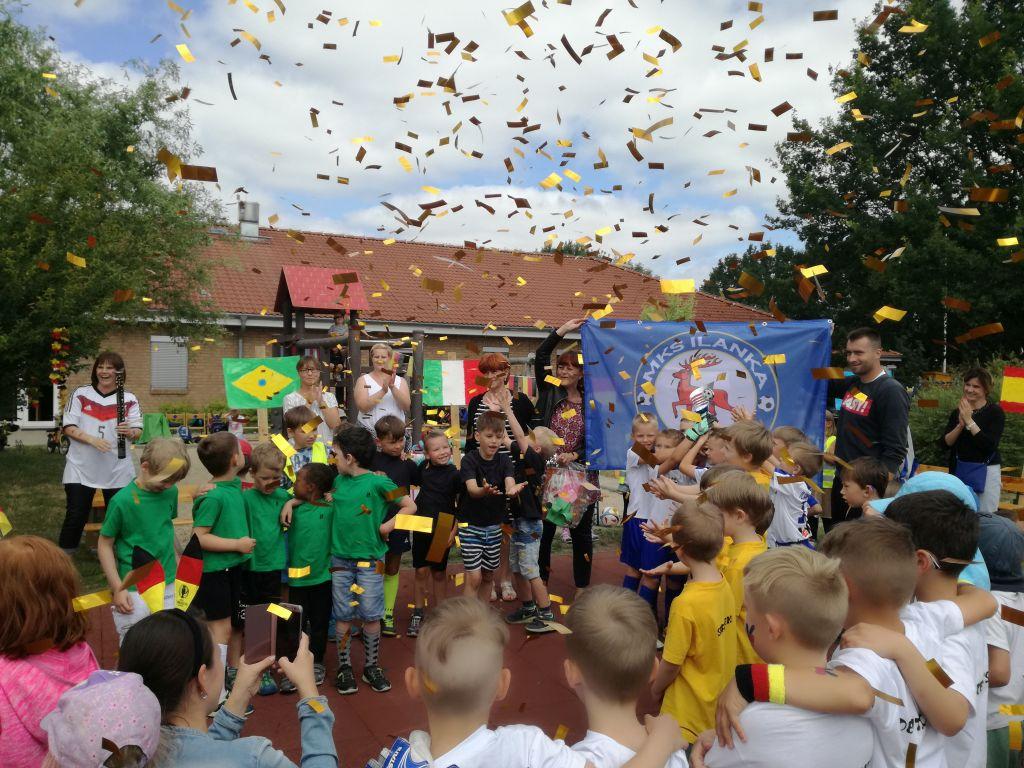 Ilustracja do informacji: Jesteśmy mistrzami świata w piłce nożnej przedszkolaków!