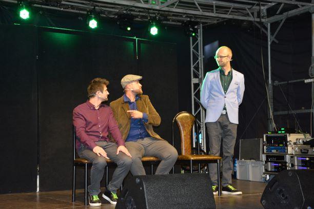 Ilustracja do informacji: Kabaretowy wieczór na Starym Rynku w Rzepinie
