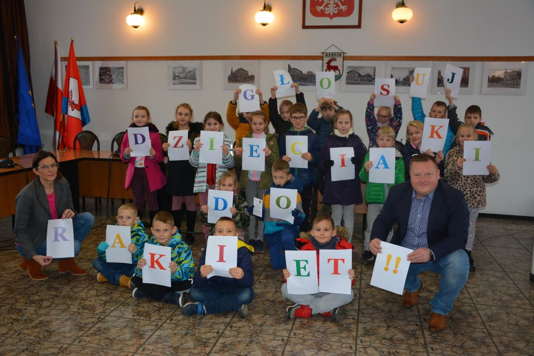 Ilustracja do informacji: Zespół Szkół w Rzepinie wybrany spośród 300 szkół! Uczniowie dziękują za oddane głosy!